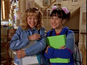 Lizzie McGuire - Hilary Duff as Lizzie and Lalaine as Miranda