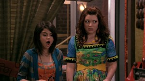 Wizards of Waverly Place - Selena Gomez as Alex Russo, Jennifer Stone as Harper Finkle