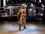 star-wars-black-series-a4301000_6in_luke_helmet_blaster_scaled